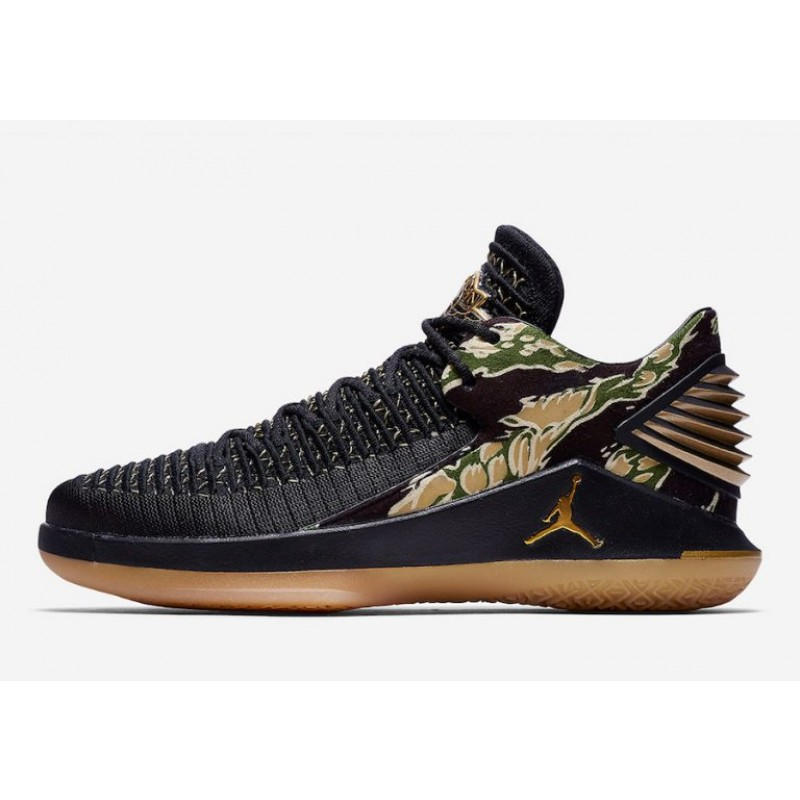 Valentines Day Stylish Air Jordan 32 Low Black/Metallic Gold-White AH3347-021
