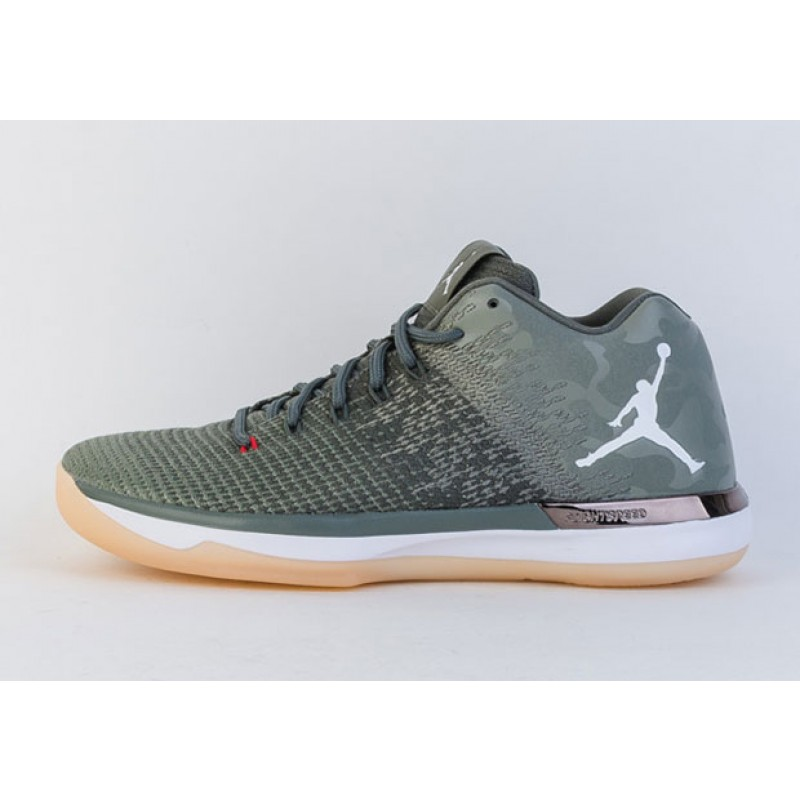 "Air Jordan 31 Low ""CAMO"" 921664-600 Cyber Monday"
